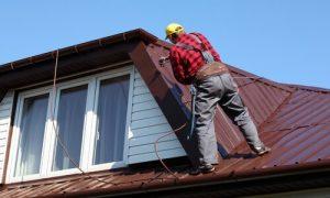 Kitchener Affordable Roofing worker